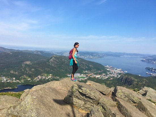 Løvstakken med utsikt over Bergen fjord